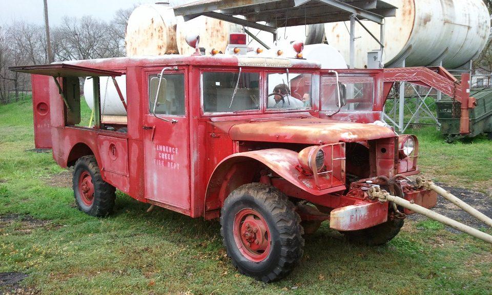 Pics Of Dodge Trucks >> M56_Dodge_R2_Crash_Truck