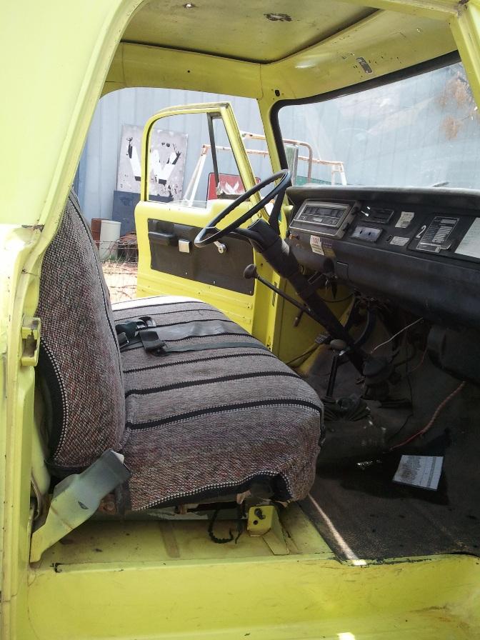 1970_W300_Dodge_Power_Wagon_Yellow_Okla2011